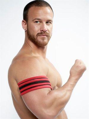 Mister B - Biceps Band, Eri Värejä-0